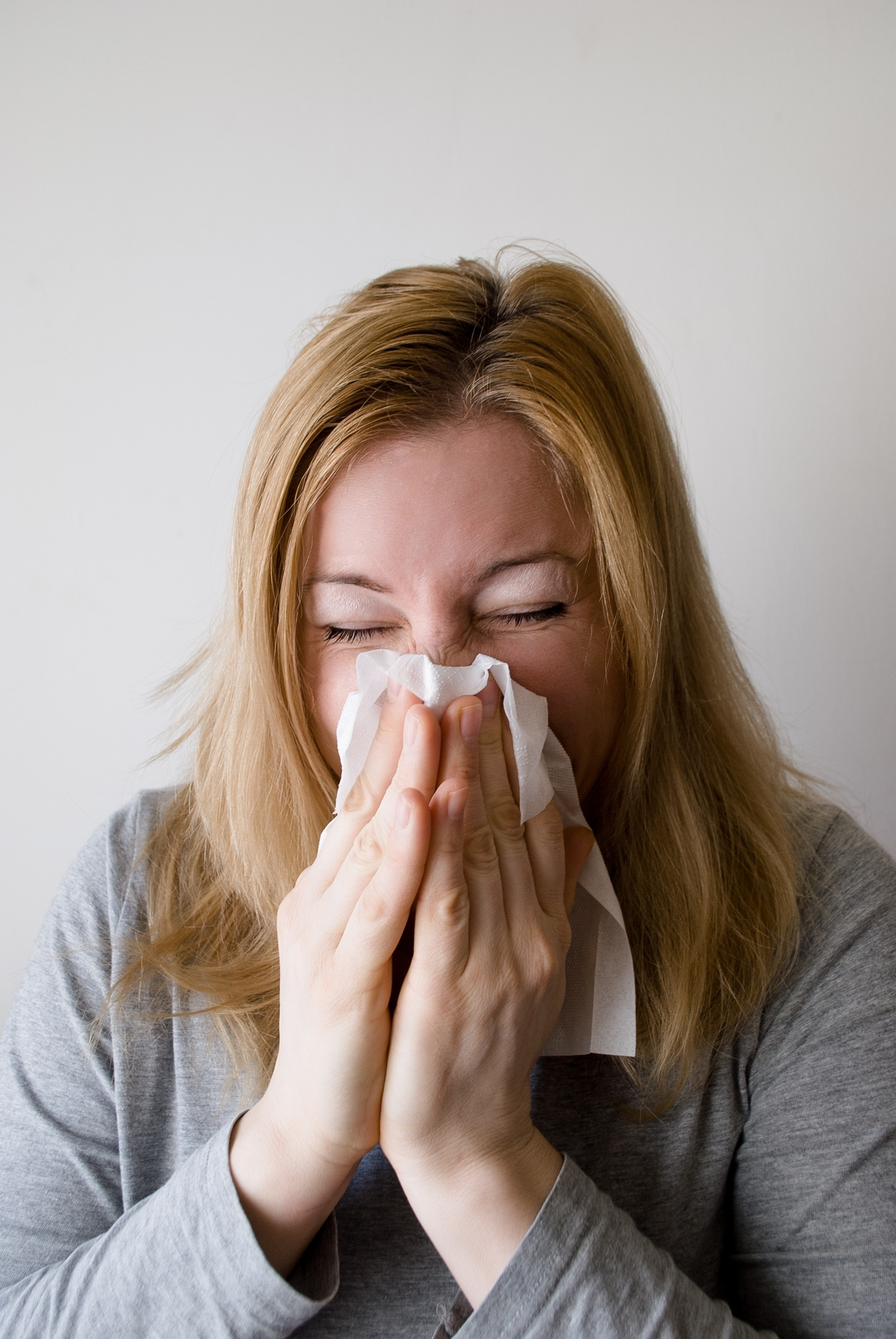 5 Simple Ways to Relieve Indoor Allergies57f88335dfb3a7348043b841286b3d7c
