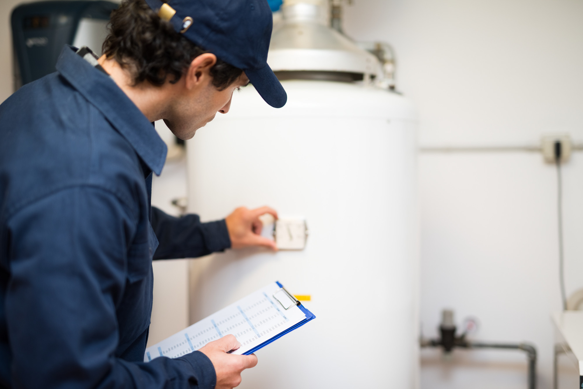 When it comes to water heater repair, you should know the prices you can expect to pay. Smash that link to learn more about the average cost.