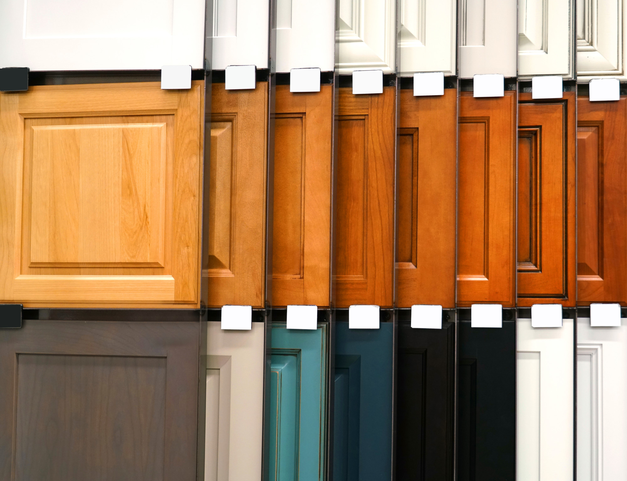 A fresh kitchen cabinet color can completely transform your kitchen. Get inspired with this guide featuring 10 kitchen cabinet color ideas.